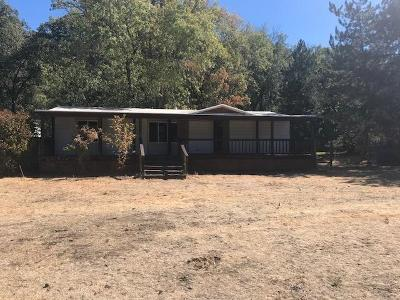 Jackson County, Josephine County Single Family Home For Sale: 20671 Hwy 62