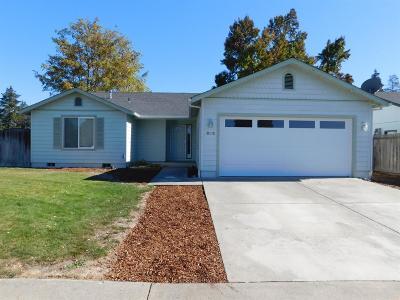 Grants Pass Single Family Home For Sale: 603 SW Leonard Street