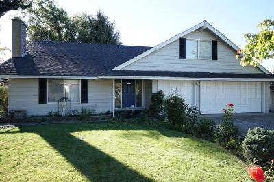 Medford Single Family Home For Sale: 1911 Gene Cameron Way