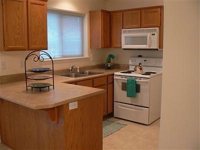Single Family Home For Sale: 905 Narregan Street