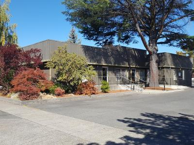 Grants Pass OR Commercial For Sale: $348,500
