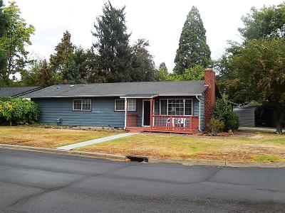 Medford OR Single Family Home For Sale: $272,500