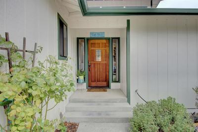Grants Pass Single Family Home For Sale: 4282 Cloverlawn Drive