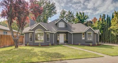 Medford Single Family Home For Sale: 3080 Sycamore Way