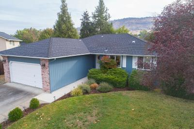 Medford OR Single Family Home For Sale: $299,000