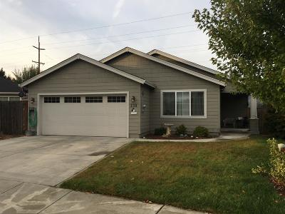 Central Point Single Family Home For Sale: 230 Willow Bend Way