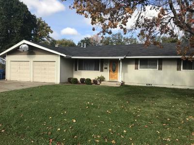 Eagle Point Single Family Home For Sale: 930 S Shasta Avenue