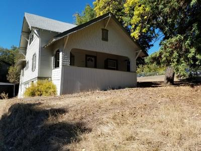 Jackson County, Josephine County Single Family Home For Sale: 494 Hays Street