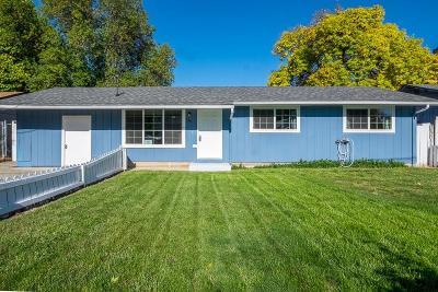 Eagle Point Single Family Home For Sale: 524 Platt Place