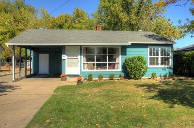 Medford Single Family Home For Sale: 910 Winchester Avenue