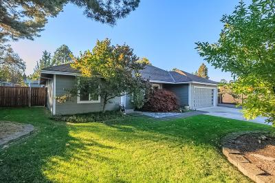 Medford Single Family Home For Sale: 2809 Tahitian Drive