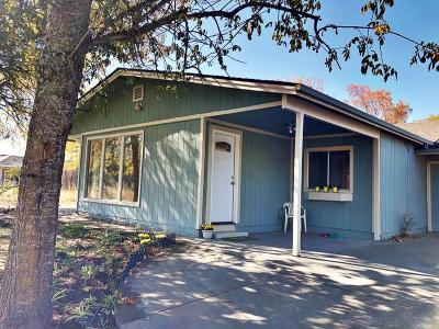 Grants Pass Single Family Home For Sale: 2325 NE Foothill Blvd Boulevard