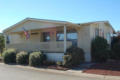 Grants Pass Mobile Home For Sale: 184 Whispering Willow Dr