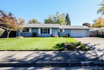 Medford Single Family Home For Sale: 2922 Hawaiian Avenue