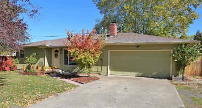 Phoenix Single Family Home For Sale: 332 Oak Street