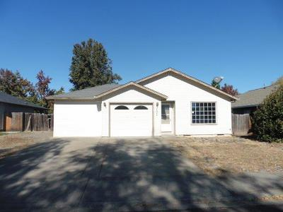 Central Point Single Family Home For Sale: 1027 Pittview Avenue