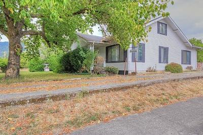 Grants Pass Single Family Home For Sale: 1920 Cloverlawn Drive