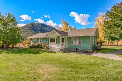 Grants Pass Single Family Home For Sale: 15788 Highway 238