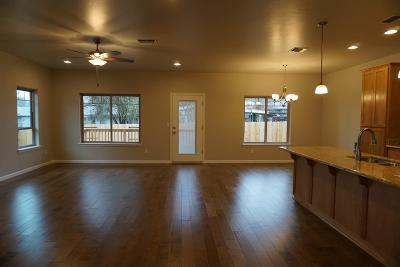Grants Pass OR Single Family Home Pending: $325,000