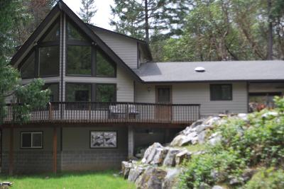 Grants Pass Single Family Home For Sale: 1520 Pinecrest Drive