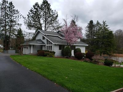 Grants Pass Single Family Home For Sale: 440 NW Pleasant View Drive