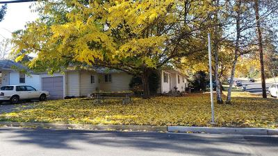 Grants Pass Single Family Home For Sale: 905 Sunset Drive