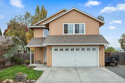 Medford Single Family Home For Sale: 2102 Delta Waters Road