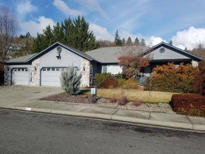 Grants Pass Single Family Home For Sale: 1678 Williamsburg Drive