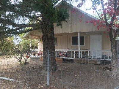 Grants Pass Single Family Home For Sale: 728 SW Laurel Street