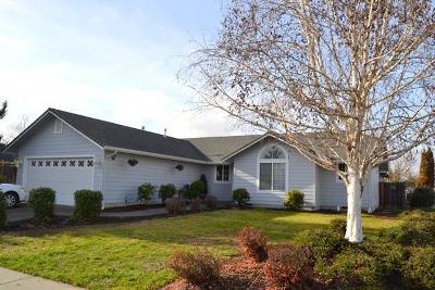 Grants Pass Single Family Home For Sale: 1670 Nunnwood Lane