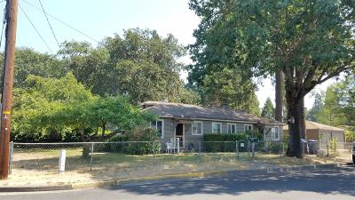 Merlin, Sunny Valley, Wimer, Rogue River, Wilderville, Grants Pass Multi Family Home For Sale: 603 SW Westholm Avenue