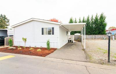 Medford Mobile Home For Sale: 3555 S Pacific Highway #160