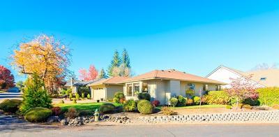 Medford Single Family Home For Sale: 2443 Senate Way