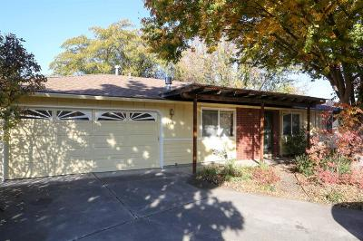 Talent Single Family Home For Sale: 404 James Circle