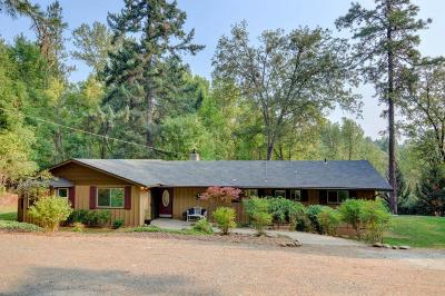 Grants Pass Single Family Home For Sale: 5948 Riverbanks Road