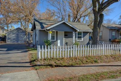Medford Single Family Home For Sale: 724 Oak Street