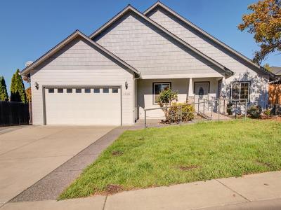 Jackson County, Josephine County Single Family Home For Sale: 1535 Ridge Way
