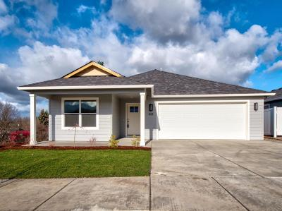 Medford Single Family Home For Sale: 648 Nobility Drive