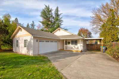 Medford OR Single Family Home For Sale: $279,000