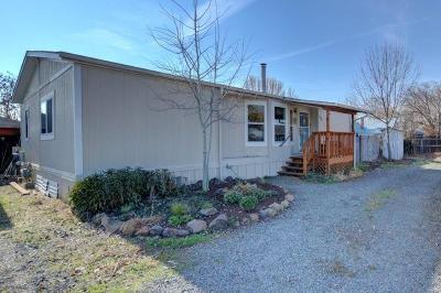 Central Point Single Family Home For Sale: 194 Laurelhurst Street