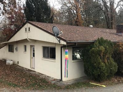 Grants Pass Single Family Home For Sale: 7261 Redwood Highway