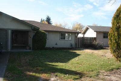 Medford OR Single Family Home For Sale: $260,000