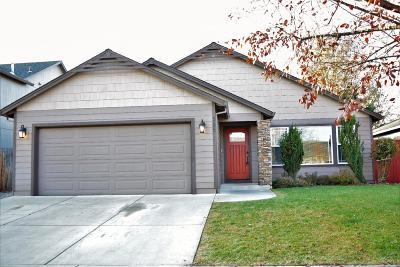 Medford Single Family Home For Sale: 505 Woodlark Drive