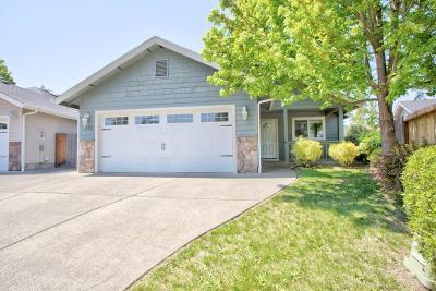 Grants Pass Single Family Home For Sale: 1132 Angler Lane