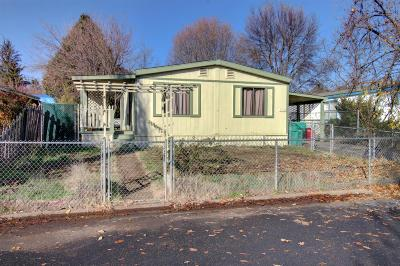 Eagle Point Single Family Home For Sale: 558 Meadow Lane