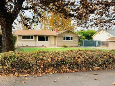 Grants Pass Single Family Home For Sale: 1980 Regina Way