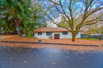 Grants Pass Single Family Home For Sale: 1660 NE Terrace Drive