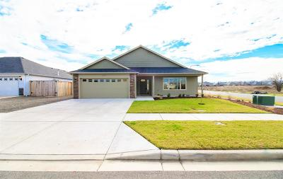 Medford Single Family Home For Sale: 3218 Dearborn Lane