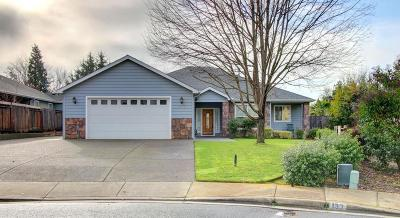 Grants Pass Single Family Home For Sale: 121 Mini Lane