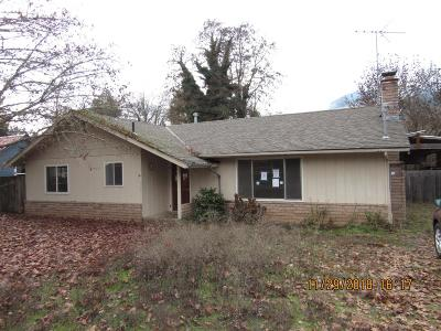 Rogue River Single Family Home For Sale: 723 Pine Street